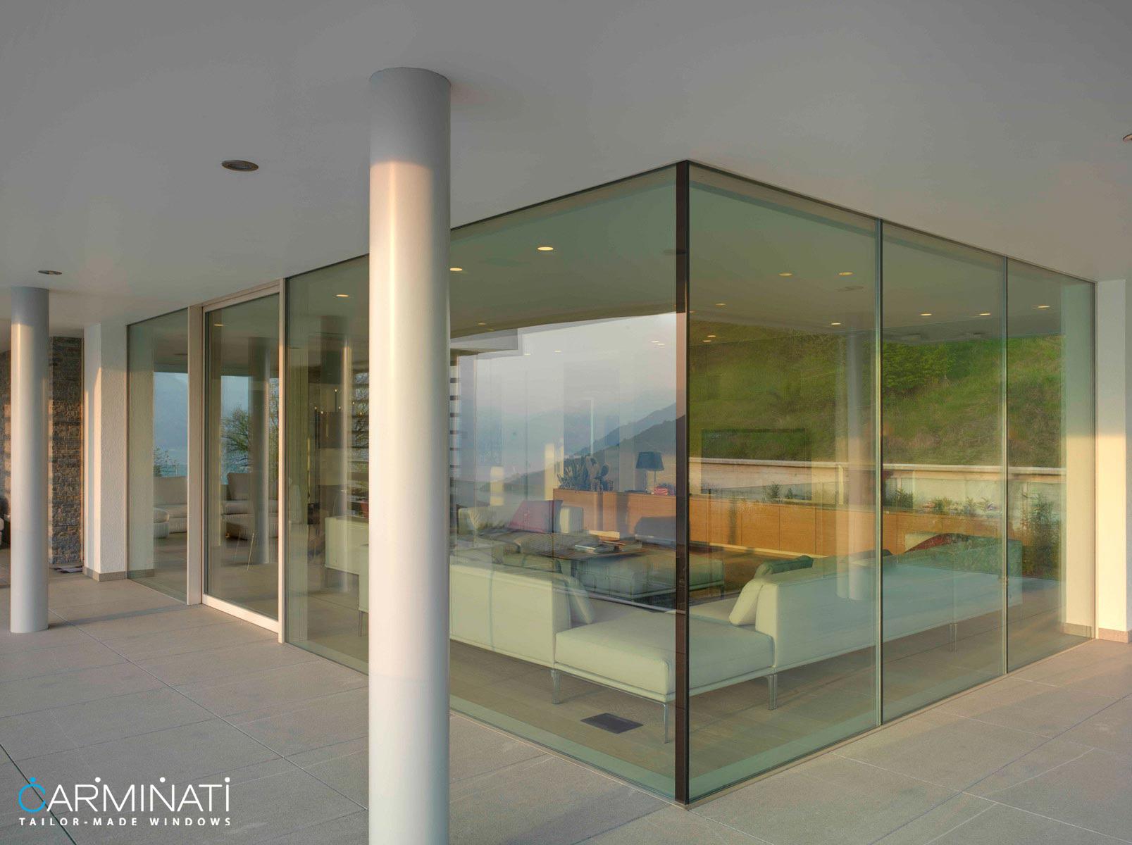 The corner detail of Carminati's Skyline minimal frame window