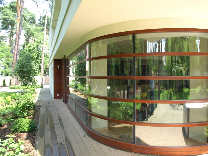 European curved window wall by Pinus