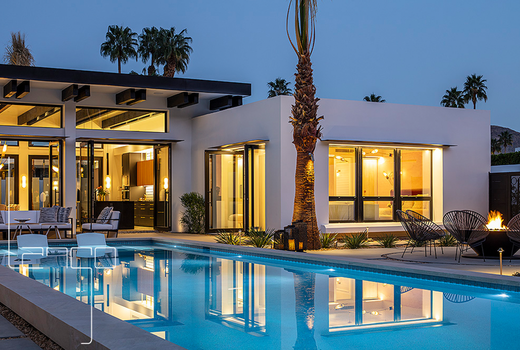 This beautiful Palm Springs villa is complete with SPI's Alu Space large windows and double-leaf pivot doors