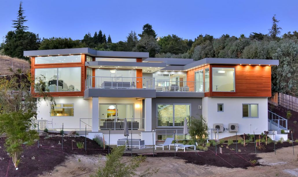 Contemporary villa in California features minimal frame aluminum window and door systems from SPI Finestre