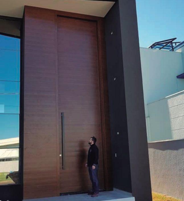 A 20 foot pivot entryway door