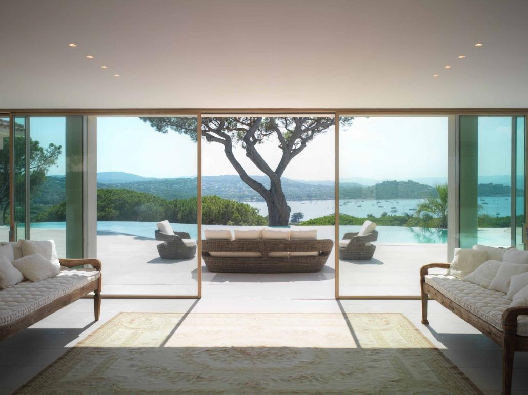 Villa Saint Tropez minimal frame lift and slide door system
