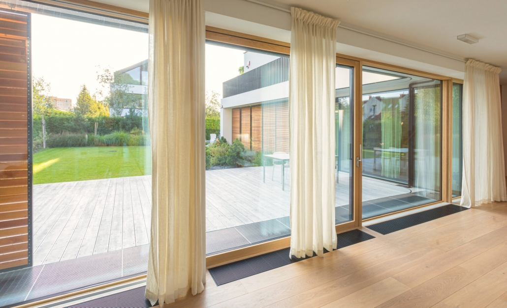 total glass expansive door system